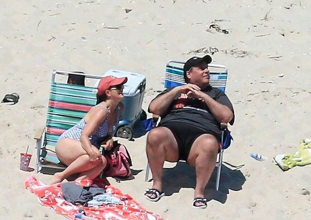 Gov. Christie Enjoys the Beach While Others Sweat